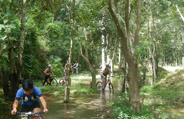 Angkor Single Track Moonsoon, Siem Reap Cycling Tour