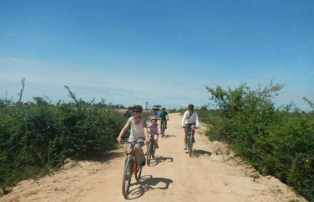 Family biking in Siem Reap Countryside, Siem Reap Cycling Tour