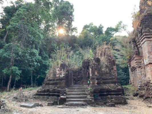 Hidden Temple, Siem Reap Cycling Tour